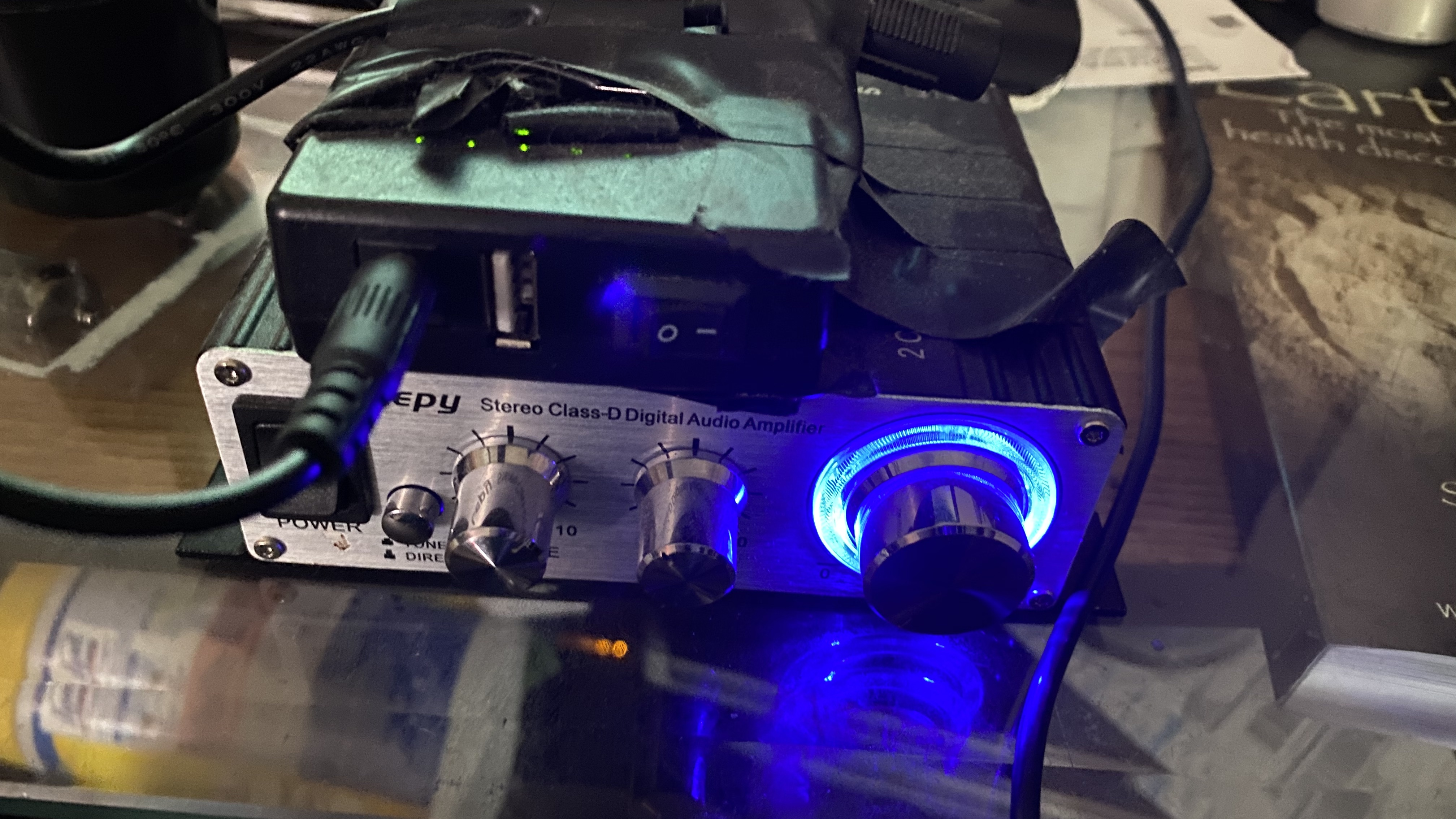 The Lepy 2020A and a TallentCell battery Pack