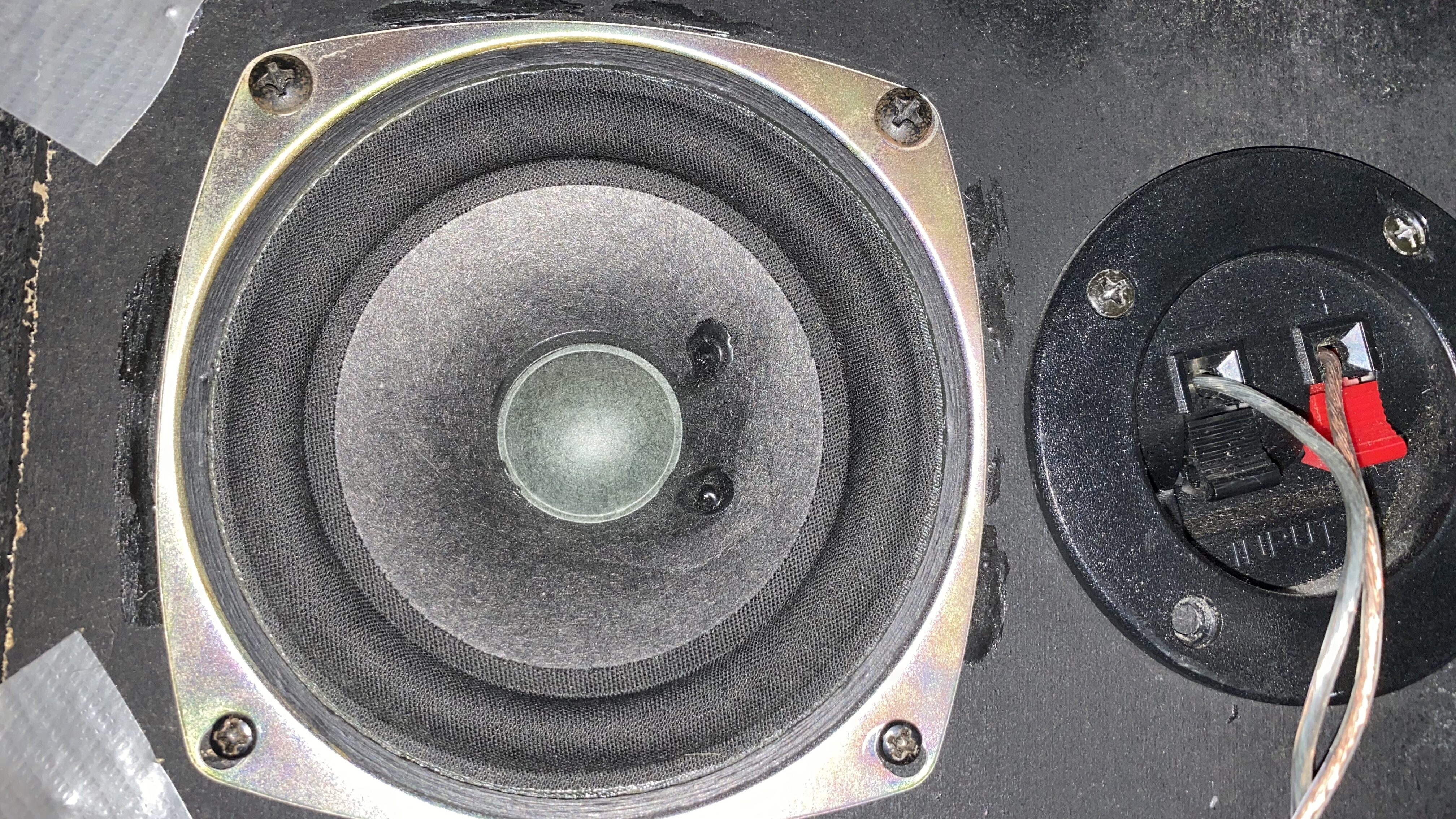 The full range speakers used for the bluetooth speaker.