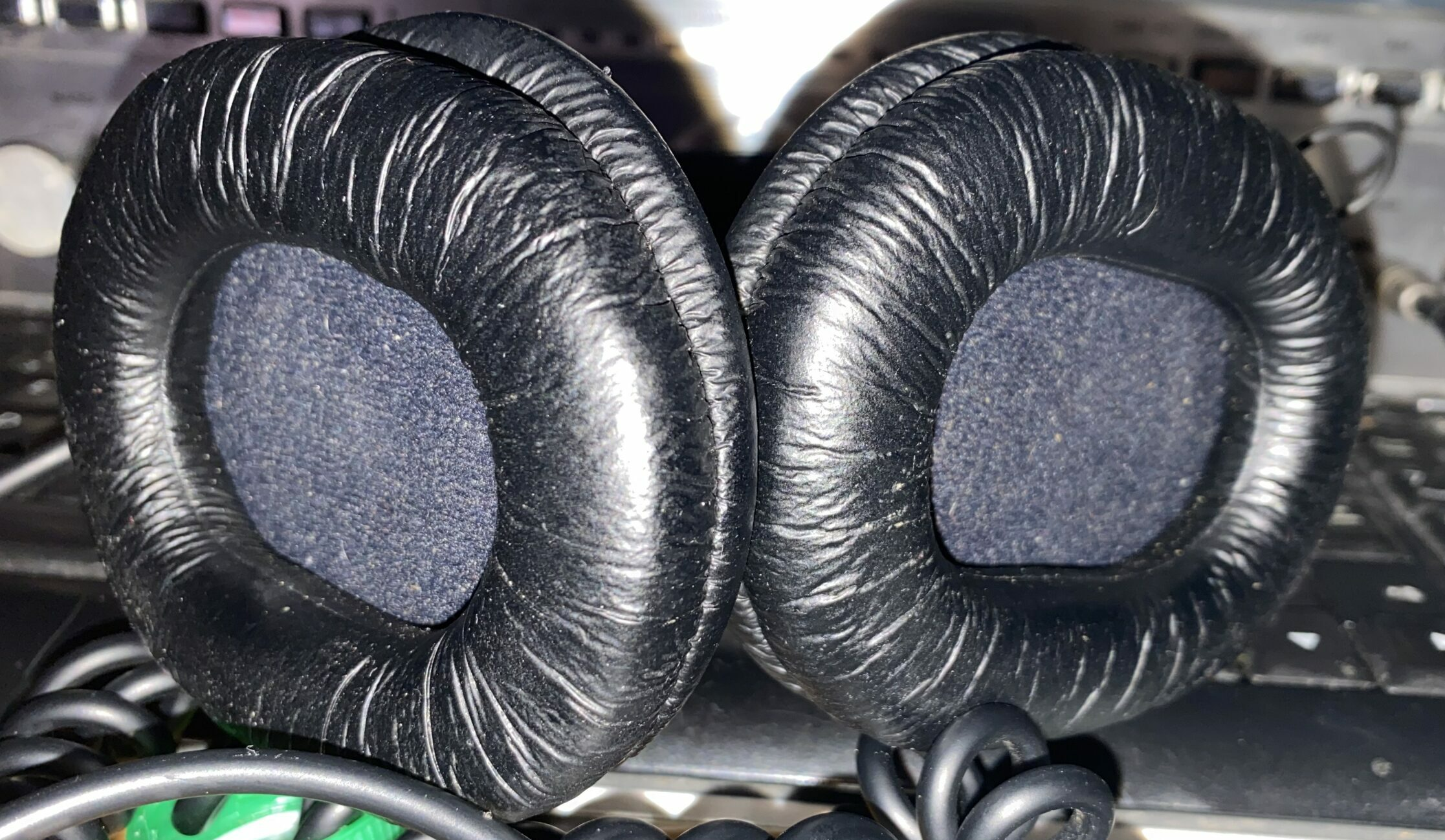 The OEM Earpads for the MDR V6.