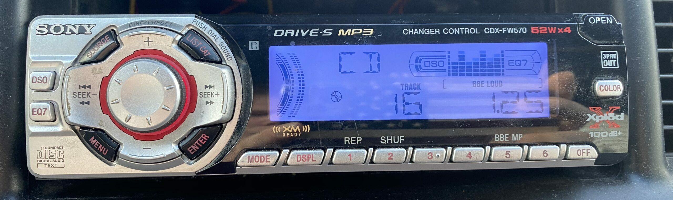 The Sony FW570 installed in a car.
